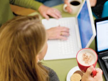 Lekker bakje koffie bij uw nieuwe laptop